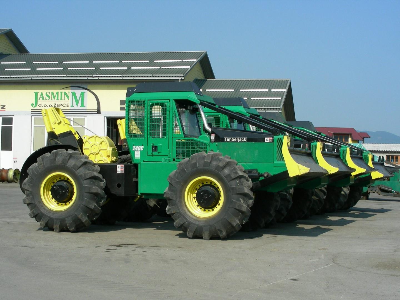 JasmiM - Šumski Traktor